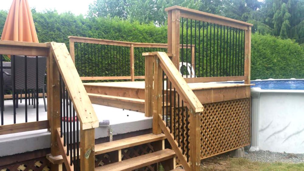 Aménagement de la cour arrière avec terrasse pour la piscine à Sherbrooke