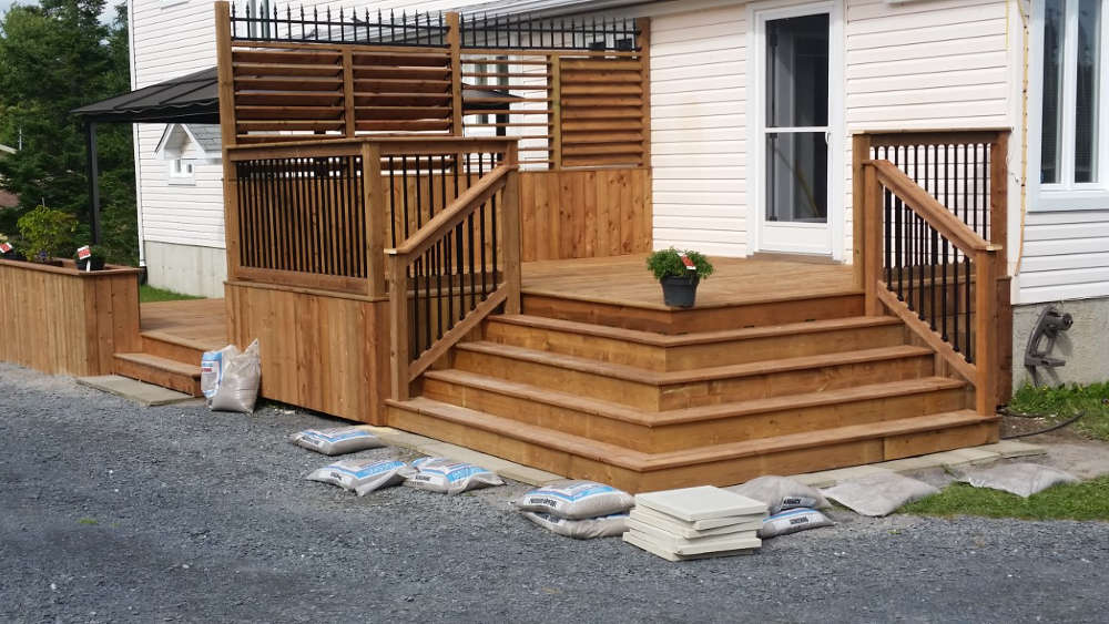 Aménagement de la cour arrière à Sherbrooke, Construction M. Garneau
